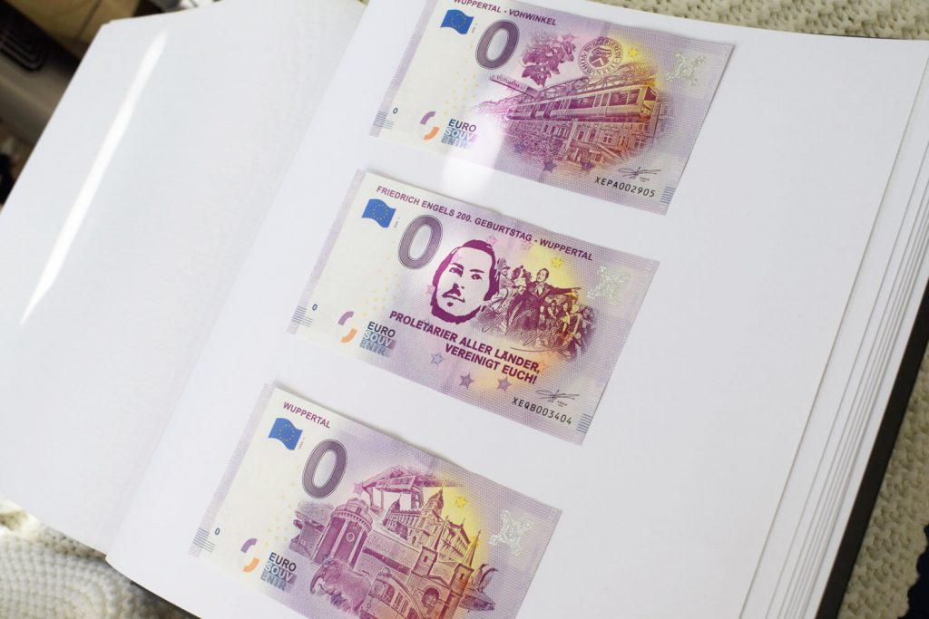 Ansicht der drei 0-Euro-Scheine